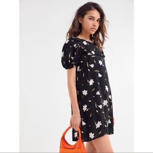 Floral puff sleeve dress